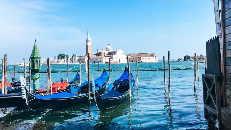 Visiter Venise grâce aux transports en commun, bus, tram, vaporetto, gondoles.