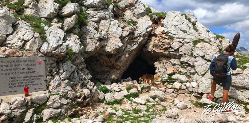 Retrouvez les vestiges de la IWW lors de la randonnée du mont KRN, alternative à la marche du mont Triglav en Slovénie.