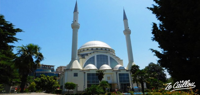 La mosquée Al Zamil à Shkodra au nord de l'Albanie pendant un voyage en Albanie en van.