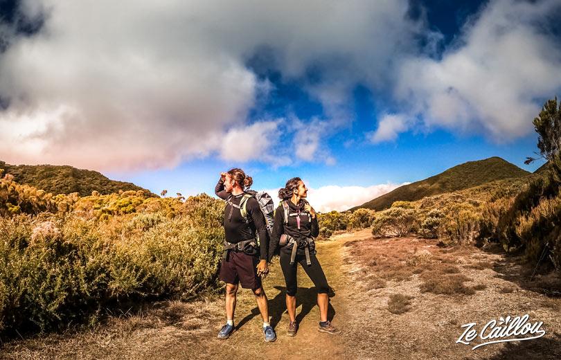 Le Piton Tortue et Piton Bleu à la Plaine de Cafres pendant le GRR2 à la Réunion.