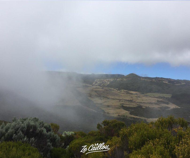 Peu de visibilité lors de notre trek Plaines de Cafres Volcan lors du jour 8 de notre GRR2.