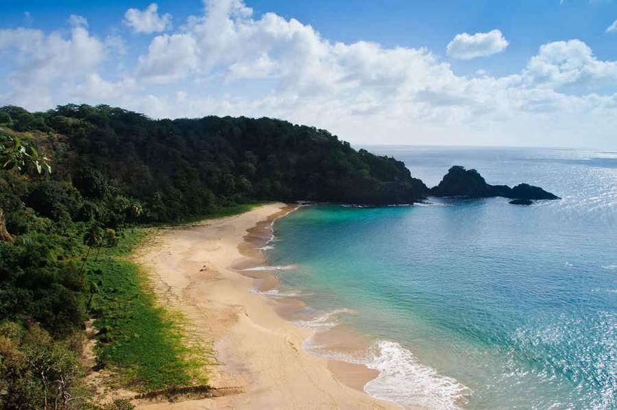 Plaja-Baia-do-Sancho