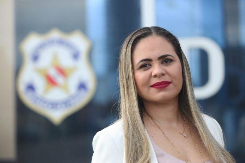 Delegada Karina Campelo
