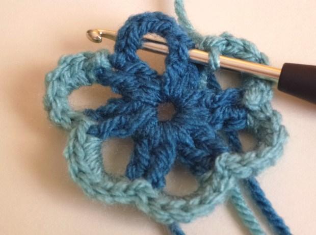 little crochet flower