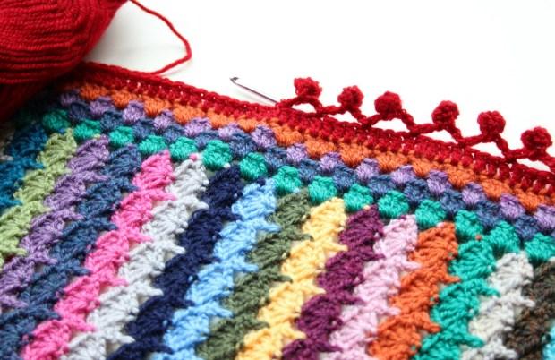 making a crochet bobble edge