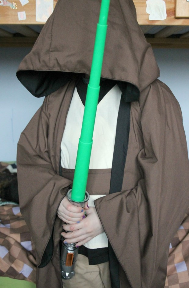 Start Wars fancy dress. DIY Jedi robes. And they're reversible so you can turn to the Dark side!
