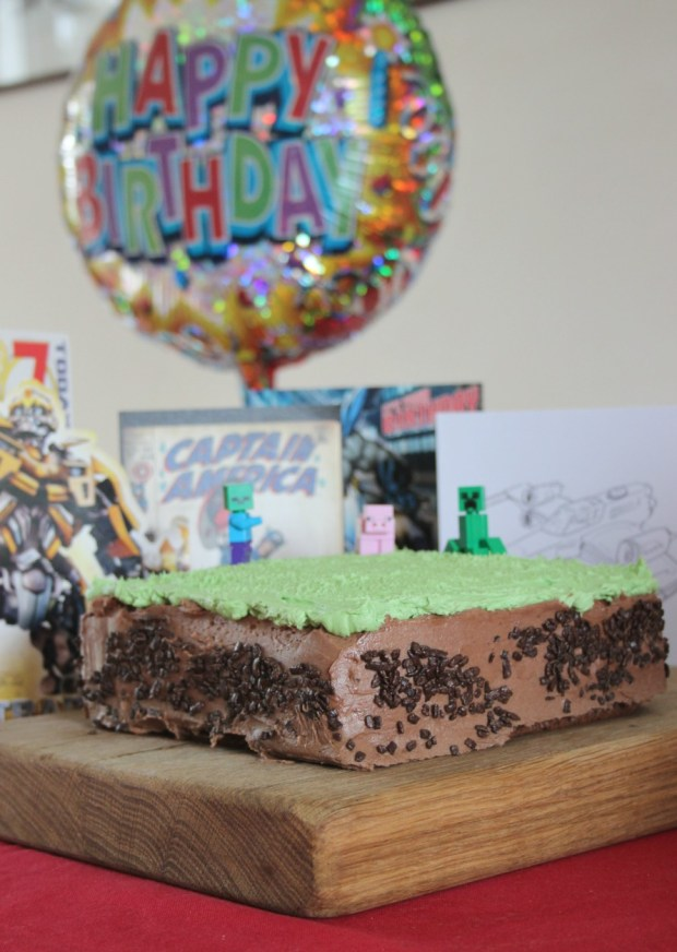 Really easy Mine Craft cake recipe.