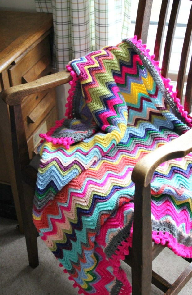 bright-crochet-chevron-blanket