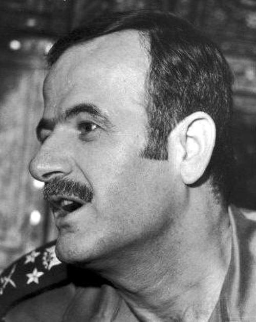 חאפז אל אסד בעת המהפכה שהעלתה אותו לשלטון (ויקיפדיה)