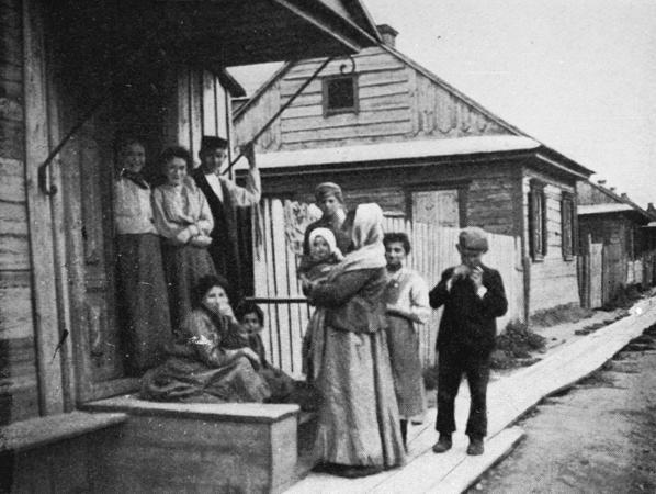 משפחה יהודית בשטעטל במזרח אירופה 1903 - ויקישיתוף