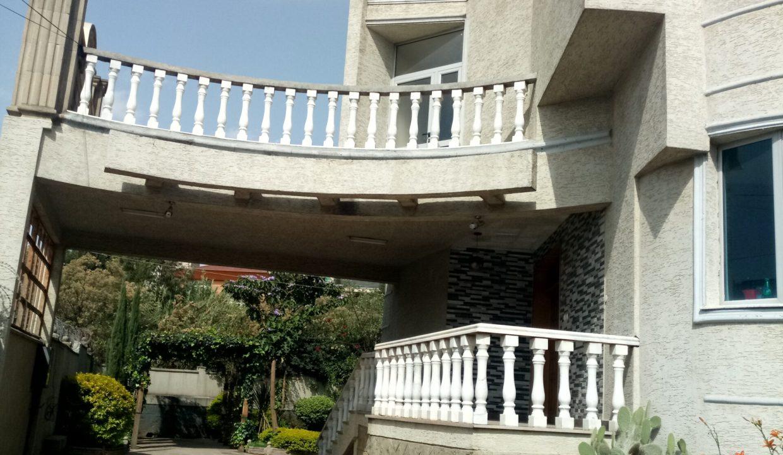 Former Cuba Embassy Gurd Shola 900sqm 40m birr for sale 6k usd for rent    20180325_093239