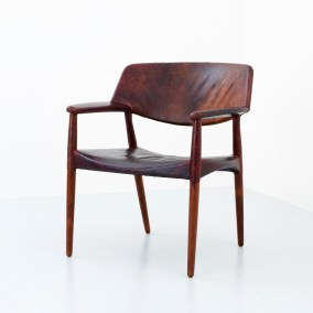 loungechair-by-ejner-larsen-and-aksel-bender-madsen-in-rosewood-and-patinated-leather-for-willy-beck-denmark-1949-s