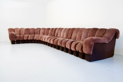 De Sede 600 non-stop sectional 'Snake' Sofa in dark brown Suede, 21 pieces, Swiss, 1970's