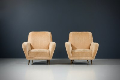 1 Sofa curved and 2 Lounge Chairs by I.S.A._Fabric and Brass_Italy_1960s5H0A4677HR_zeger van Olden_mid century_mid century modern_amsterdam_italian_scandinavian