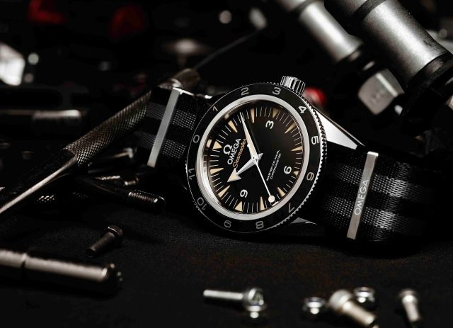 The OMEGA Seamaster 300 Bond_233.32.41.21.01.001