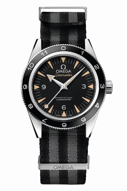 The OMEGA Seamaster 300 Bond_233.32.41.21.01.001_white background