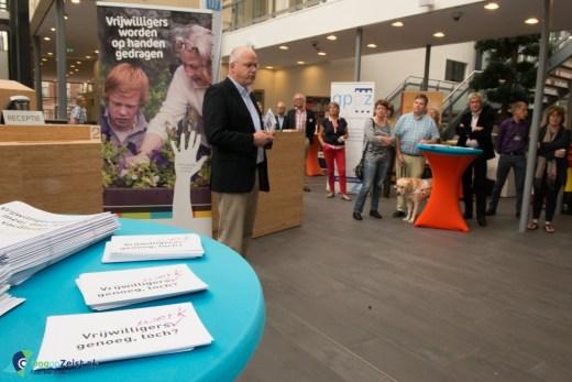 De Wethouder opent de vrijwilligersmarkt