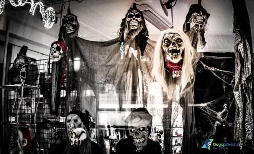 Fright Night op de Steinlaan de Halloween etalage van Hokus Pokus: Spooky