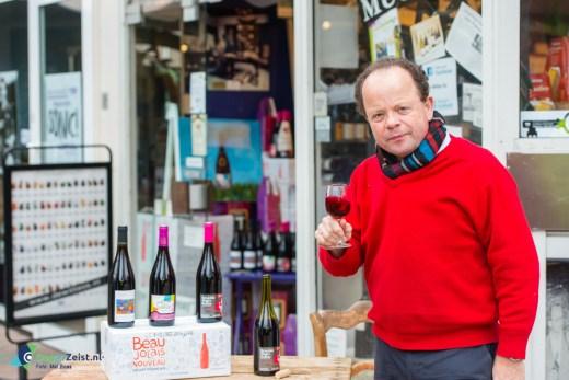 Bas de Jong van Wijnkoperij de Witte Os uit Zeist is de Beaulolais Nouveau 2014 zelf gaan halen in Frankrijk
