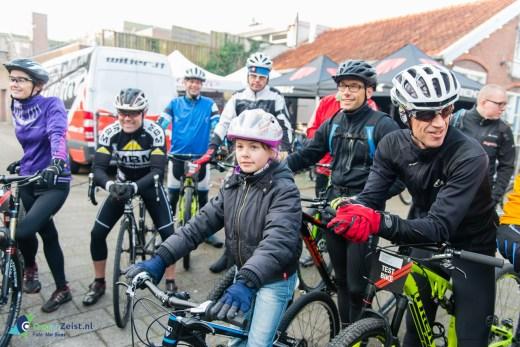 Montainbike clinic van het Rijwielpaleis in de Zeister bossen gegeven door Icycle