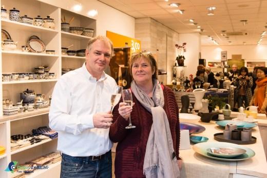 Sylvia en Ton Buiting bij de opening van Sylton kookwinkel met de Introductie van 3CO Taiwanees porselein.