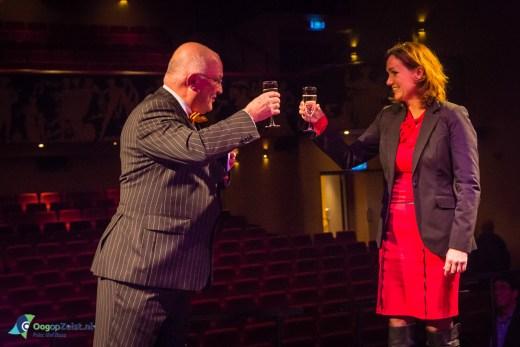 Wethouder, economische zaken, Jacqueline Verbeek-Nijhof brengt samen met Aat Grinwis een toost uit op Zakelijk Zeist Onderneemt! en het nieuwe ondernemersjaar 2015.