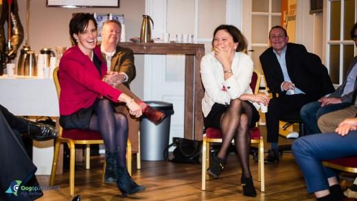Lagerhuis debat door Jacqueline Vaessen (rechts), nr.2 voor de VVD, inwoonster van Bilthoven en ondernemer en Mirjam Maasdam, lijsttrekker voor het CDA