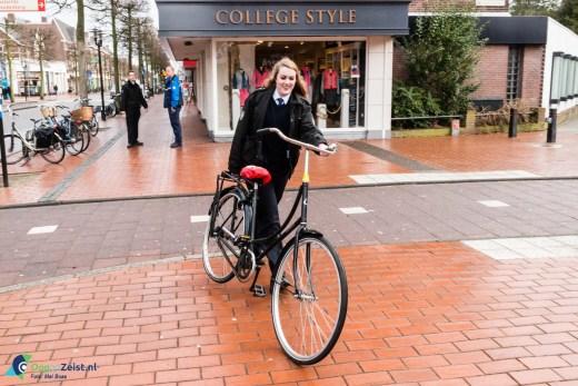 Gemeente Zeist ruimt fietswrakken in het centrum van Zeist