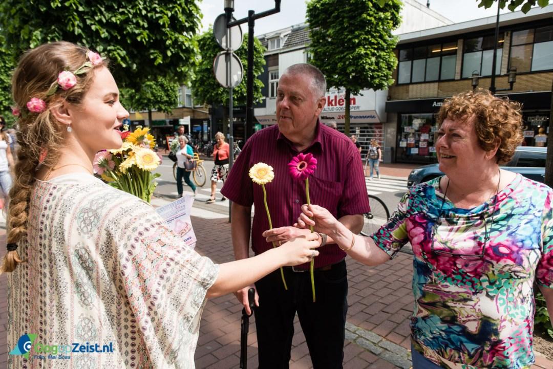 Veel Flower Power tijdens Happy Hippy Shopping weekend in Centrum van Zeist
