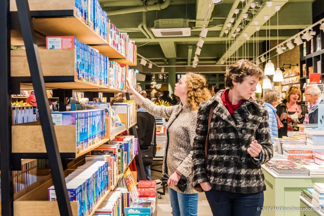 Opening boekhandel Kramer & van Doorn op de Slotlaan in Zeist