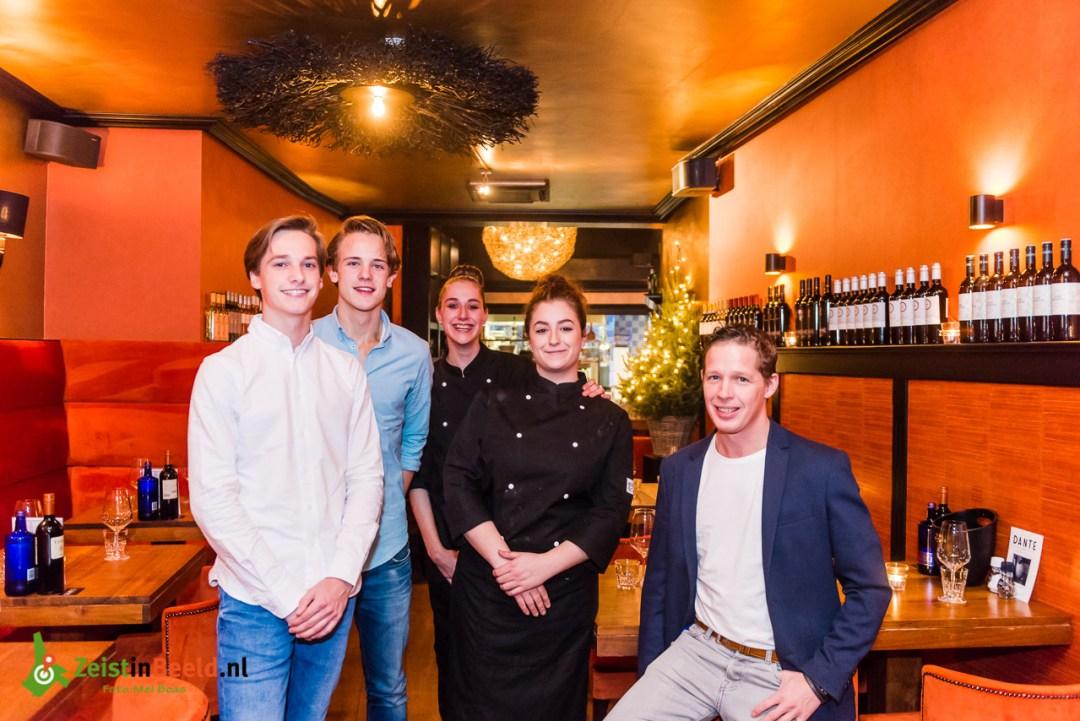 Het jonge team van Restaurant Dante op de 2de dorpstraat.