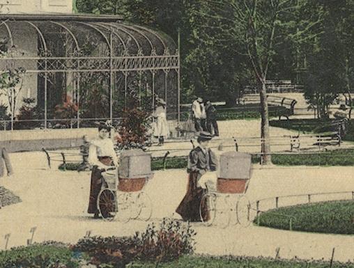 Frauen mit Kinderwagen im Stadtpark St.Gallen, ca 1910