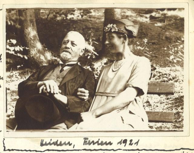 Vater und Tochter 1921
