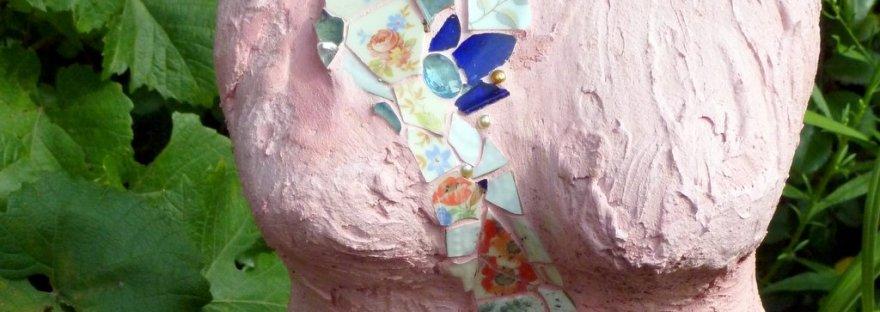 Frauenbüste mit Mosaik