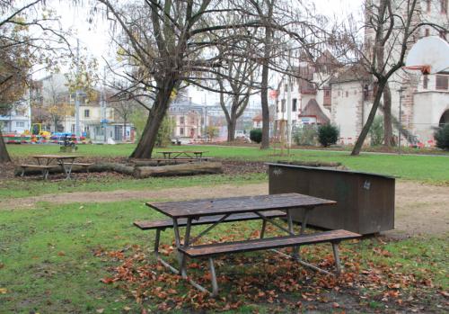 Tisch am St. Johanns-Platz