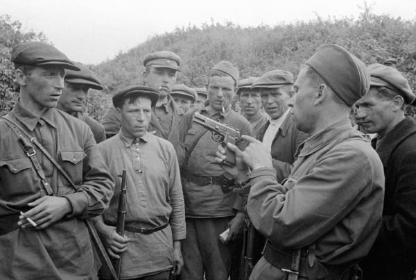 """""""Volkskrieg gegen die deutschen Okkupanten!"""""""