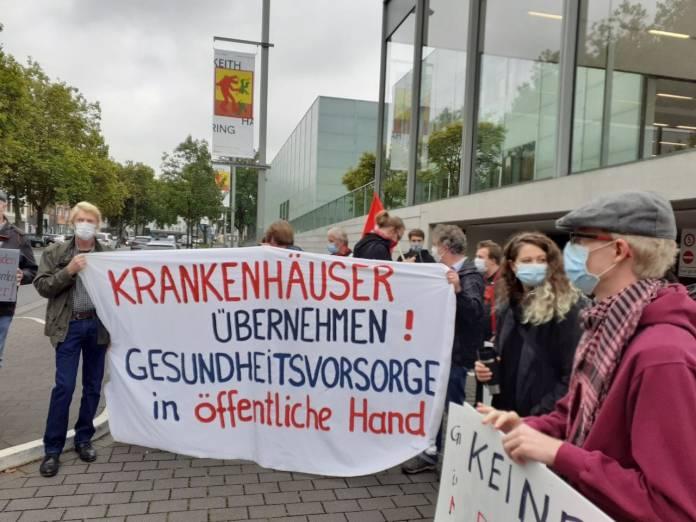 DKP demonstriert gegen Sparpolitik im Gesundheitswesen