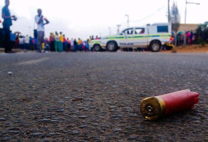 Südafrika: Armut, Proteste und Plünderungen