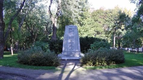 Monument Aux morts Francais de Montreal et aux Volontaires Canadiens de L'armee Francaise.