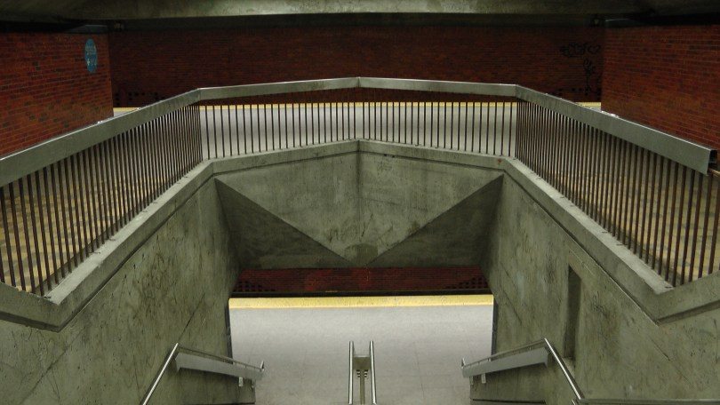 Looking down at the entrance to the platform at the Métro Charlevoix