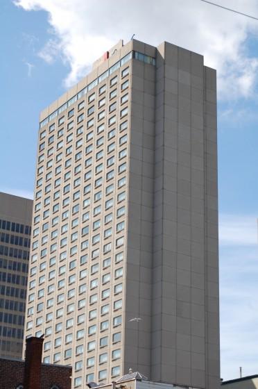 Hôtel Gouverneur Montréal Place Dupuis 1415, rue Saint-Hubert
