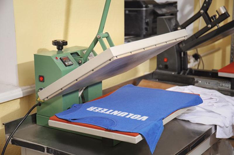 Znakowanie odzieży BHP metodą flex