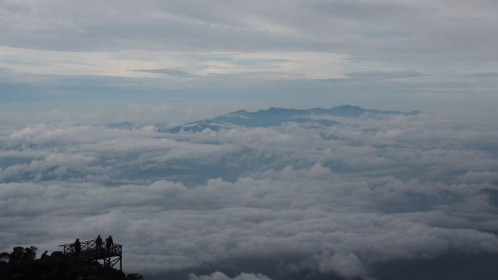 雲海を臨むポイント