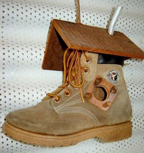 шпаківня з взуття
