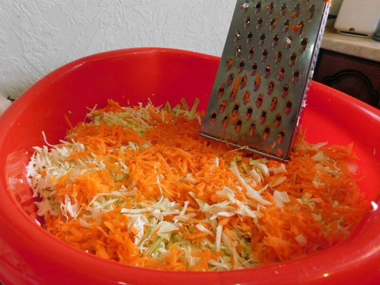 Тремо на тертушку моркву