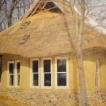 Будинок із саману – технологія та будівельні секрети