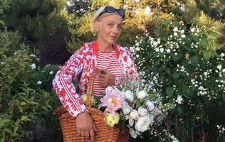 Людмила Воропаєва, сад Єва
