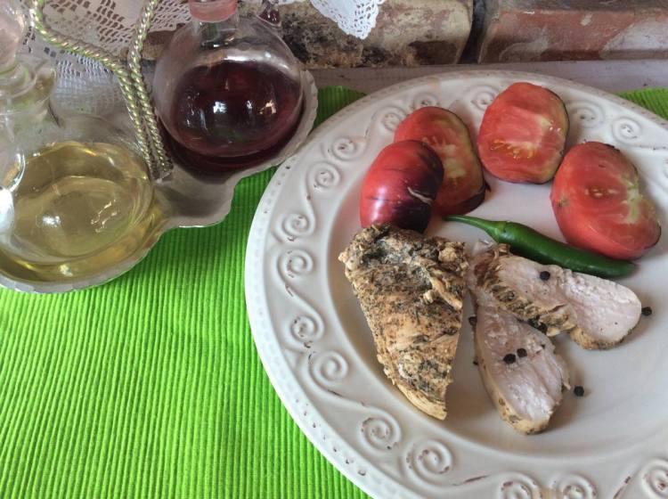 Куряче філе - ідеальна основа для ранкових бутербродів чи легкої вечері