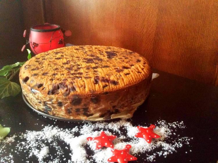Як тільки починає смачно пахнути — різдвяний торт готовий!