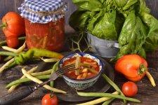 Стручкова квасоля в томаті на зиму